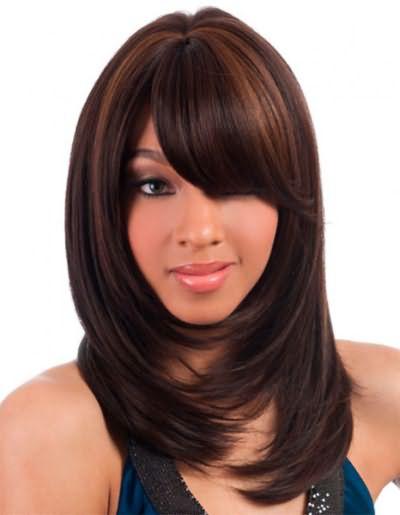 Если вы не хотите кардинально менять внешность, а только немного освежить ее, темное мелирование на темные волосы, то, что вам нужно.
