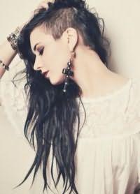 Длинные волосы с выбритым виском 3