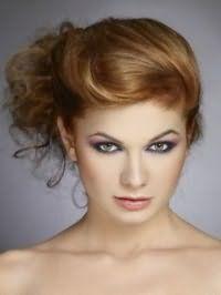 Эффектная прическа пучок из волос для средних локонов русого цвета
