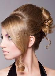 прическа с валиком для волос
